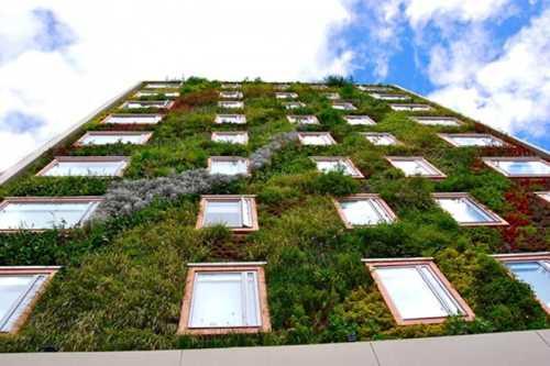 Los 10 jardines verticales mas hermosos del mundo for Caracteristicas de los jardines verticales