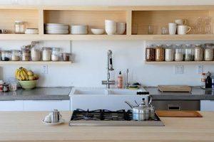 cocinas-pequenas-con-estanteria-de-madera